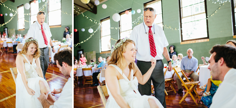 hilarious garter toss moment