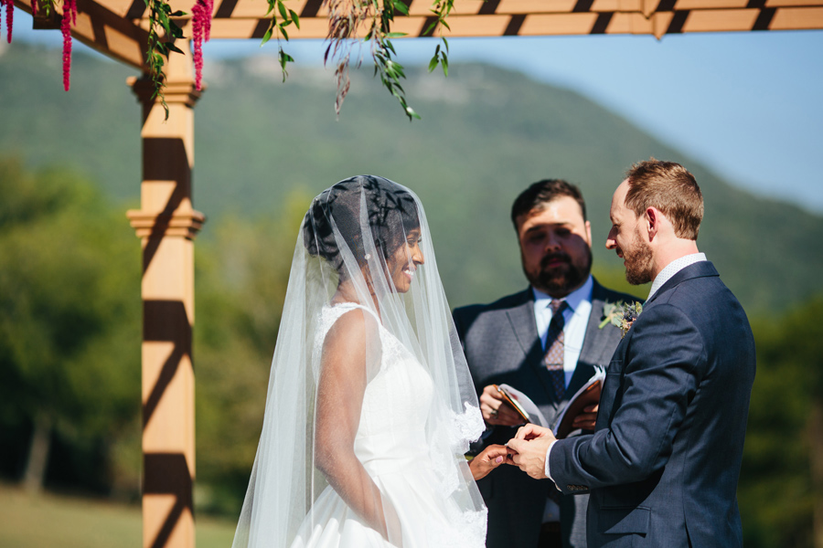 wedding ceremony at tennessee riverplace